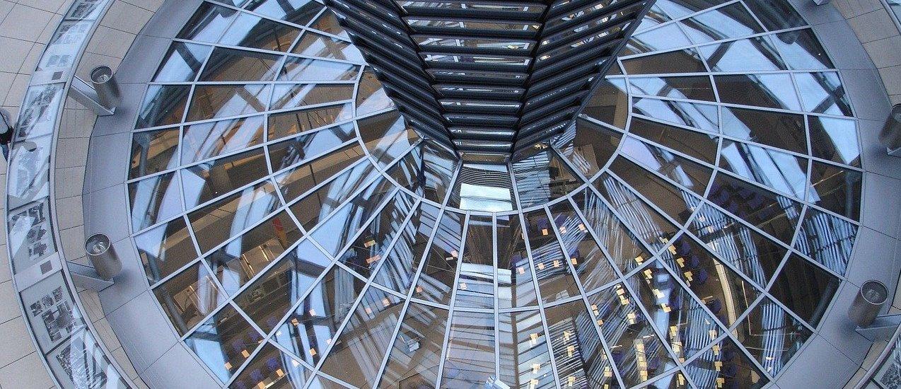 Der Tag im Bundestag, grüne Parteitage und Grundsatzprogramm